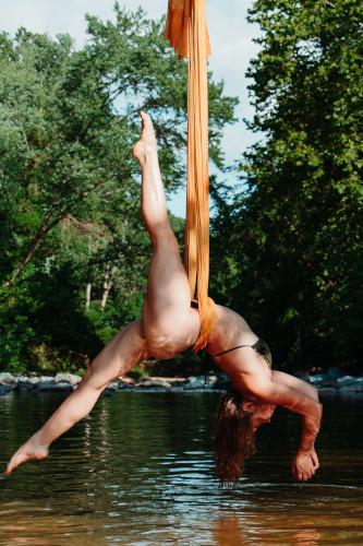 aerial yoga tuch swing yoga antigravity flying
